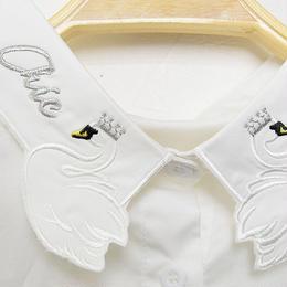 ■ 2羽のクイーンスワン刺繍コットン素材の付け襟【No.0169】