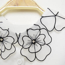 ■ ふんわりふわっふわフラワー刺繍の付け襟【No.0155】