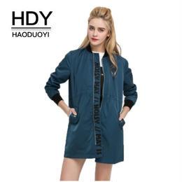 【Haoduoyi】【取り寄せ】メッセージロゴ入りミディアム丈MA-1ジャケット  C34P80091