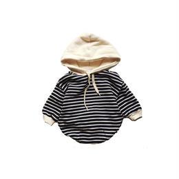 Babyトレーナーフードロンパース