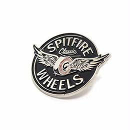 SPITFIRE FLYING CLASSIC LAPEL PIN / スピットファイア ピンバッジ