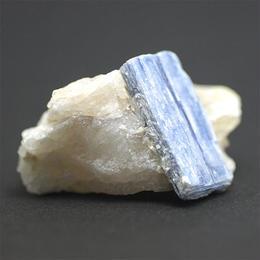 カイヤナイト 結晶原石 001