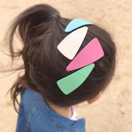 【kids★mama】カラフル三角形デザインぱっちんピン5個セット【小サイズ7×3cm】