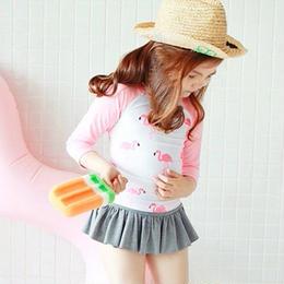 ☺︎kids【3点セット】フラミンゴ柄ラッシュガード+パンツ+キャップ☆ピンク