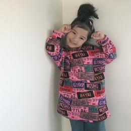 再入荷★kidsユニセックス★ナンバープレートカラフルデザインゆったりトップス【ピンク】