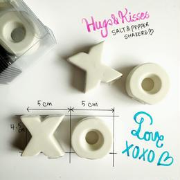 HUGS&KISSES ソルト&ペッパー陶器