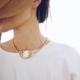 vintage   Trifari White necklace