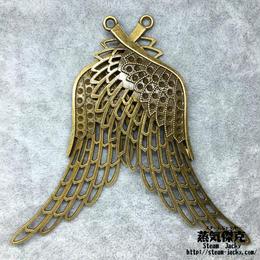 透かし彫り翼ペンダント素材 左右各1枚 106.2mm x 37.3mm 金属製ハンドメイドパーツ 商品番号W-0014