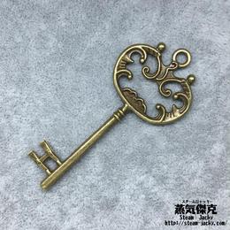 【5点セット】鍵風ペンダント素材 68.9mm x 30.4mm 金属製パーツ ブラスカラー 商品番号K-0046
