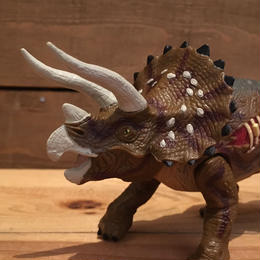 JURASSIC PARKⅢ Re-ak A-tak  Triceratops Figure/ジュラシックパーク 3 リアーク・アタック トリケラトプス フィギュア/180626-3