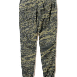 "BackChannel ""GHOSTLION CAMO JOGGER PANTS"""