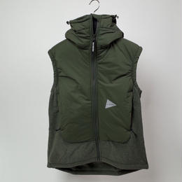 and wonder / twill fleece vest