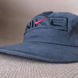 90's NIKE ツバ裏グリーン 刺繍 キャップ CAP