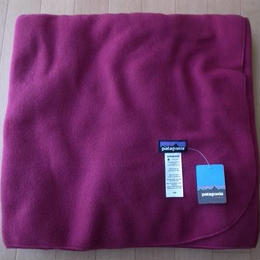 PATAGONIA KIDS' MICRO D BLANKET-SPECIAL・Magenta・フリースブランケット サイズ・(ONE) 未使用品 -140
