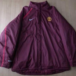 Manchester United Football Club NIKE製・中綿入り・ベンチジャケット サイズ・XL 正規品(株)ナイキジャパン)-560