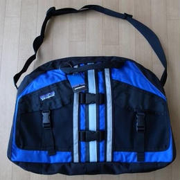 """PATAGONIA 日本未発売・LOTUS DESIGNS PFD DUFFEL・2WAYバッグ サイズ・(ONE) 正規品 MADE IN U.S.A. 未使用品  -906"