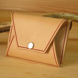 小銭がガバっと取り出せ、カードがスポっと収まり、カバンにポイッと入れられる小銭入れ