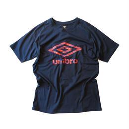 umbro ビッグロゴCネックTシャツ