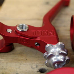 PAUL / CANTI LEVER / Red