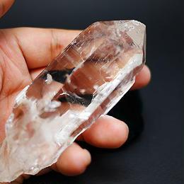 インド、マニカラン産ヒマラヤ水晶のシングルポイント180g