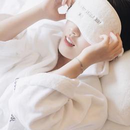 シンプルホワイトアイマスク