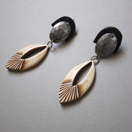 leather concho  pierce/earring BLACK