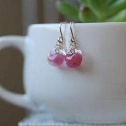 ピンクのガラスのフックピアス003