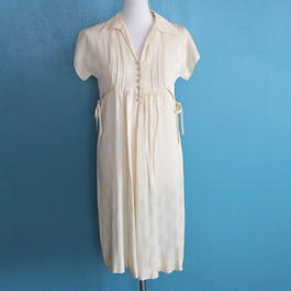 1970s does 1940s printed dress