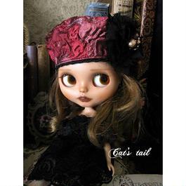 ドールサイズ・一点物・大きなお花モチーフ付きのベレー帽
