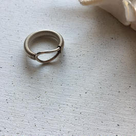 vintage Ring = catch =