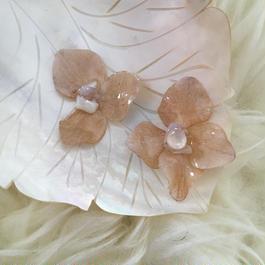 紫陽花の耳飾り=milky pink=