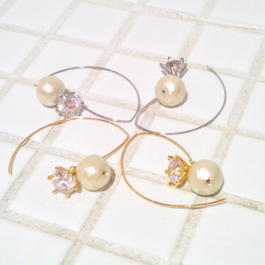D* cotton pearl&zirconia pierce