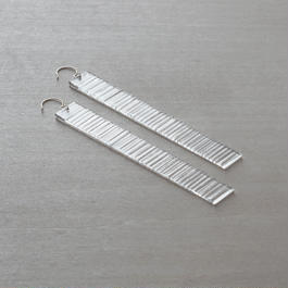 tick - FRAGMENT/plate [hook] - earrings