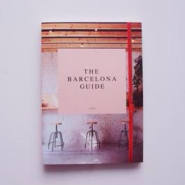 PETITE PASSPORT guide book (Barcelona)