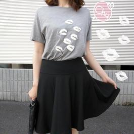リップ柄Tシャツ