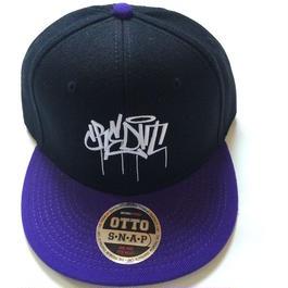 """""""CREDIT TAG"""" Snapback・Purple × Black"""