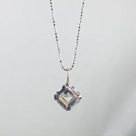K18WG、水晶ペンダントトップ(チェーン別売り)