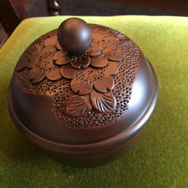 Bell-shaped candy box