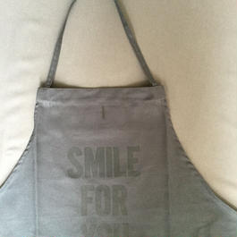 DRESSSEN DR (GREY) 8APRON SMILE  FOR YOU GREY COLOR発売❗️