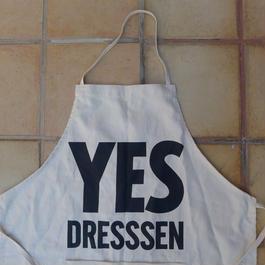 "DRESSSEN ADULT APRON ""YES  DRESSSEN"" ⭕️オンラインストア先行発売"