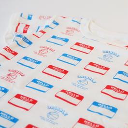"DRIBBLE ""HELLO MY NAME IS"" Tシャツ / MULTI"