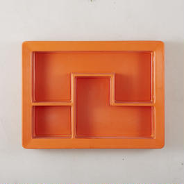 1970's plastic shelf 153