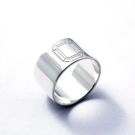 CAV-R05-SV Carve Emerald Ring R05
