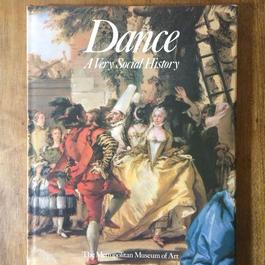 「Dans A Very Social History」