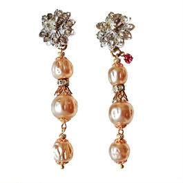 Perles Baroques イヤリング Flower rhinestone & baroque pearl earrings PBER02