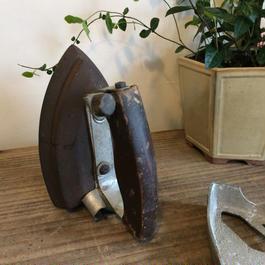 【古道具0011】昔の鉄アイロン