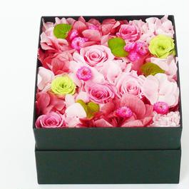 プリザーブドローズのBOXアレンジメントMサイズ【pink&green】