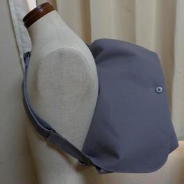 帆布防水ショルダーバッグ