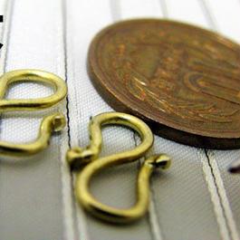 手曲げ真鍮Sカン(大)/2個入り 着物の羽織紐やブレスレット作りに