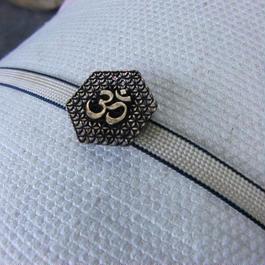 真鍮製 梵字風デザイン帯留め 着物や浴衣に